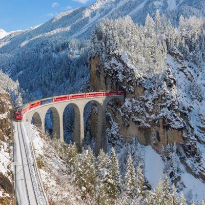 Rondreis Wintersprookje Zwitserland Trein door Bergpas